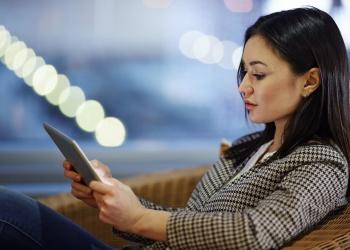 Mobile businesswoman